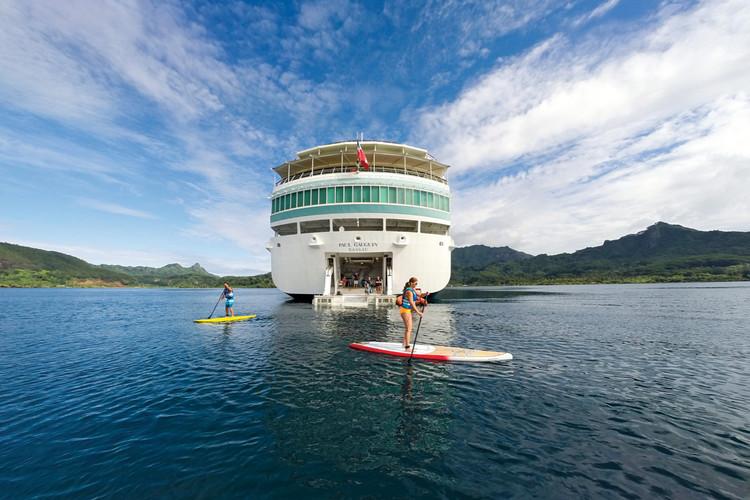 MS Paul Gauguin water sports