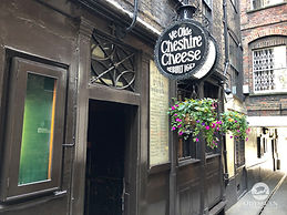 Ye Olde Cheshire Cheese, one of London's oldest pubs