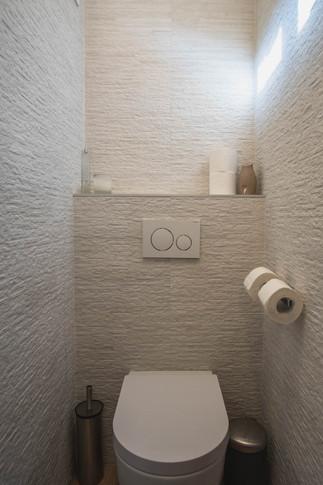 Upstaiors WC 1.jpg