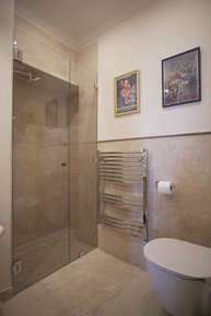 Shower room 2.JPG.jpg