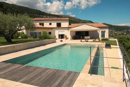 House & pool.jpg