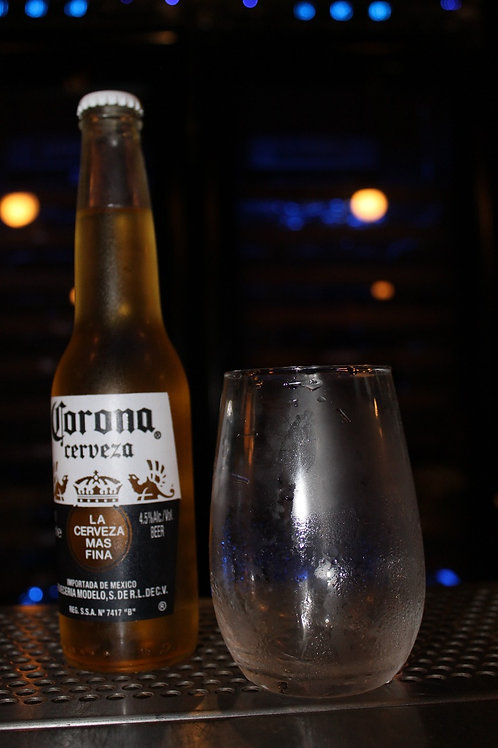 Cerveza Corona porrón
