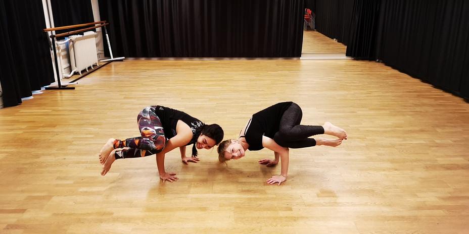 side crow pose yoga