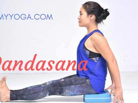 Dandasana: Tư thế Ngồi Yoga cơ bản