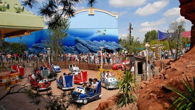 Cars Quatres Roues Rallye atraccion Disneyland Paris