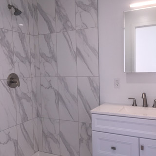Modern Bath Rooms and Stylish Finishes