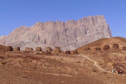 Jebel Misht and Beehive tombs Al Ain.jpe