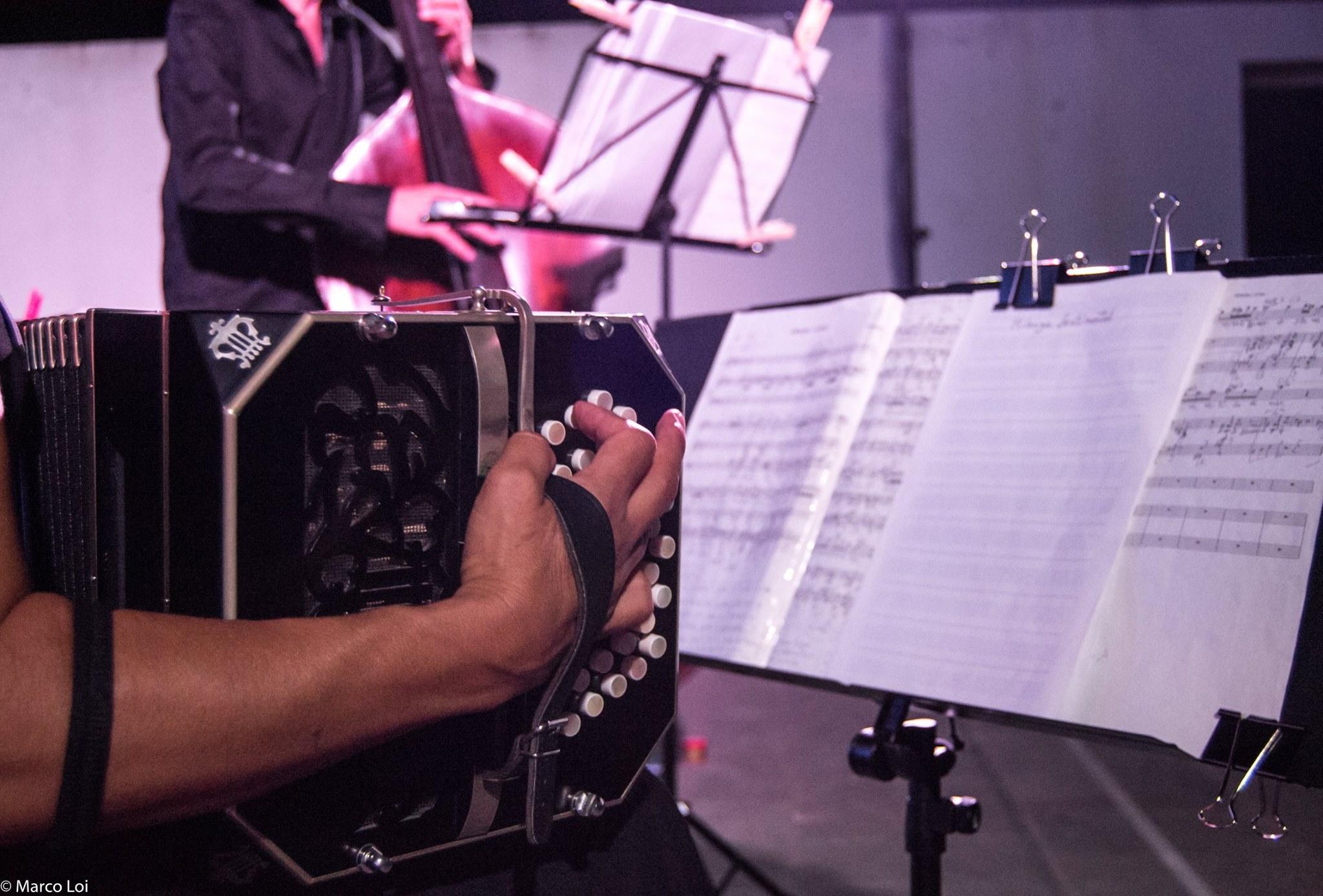 Bandoneon, orchestra tipica, tango