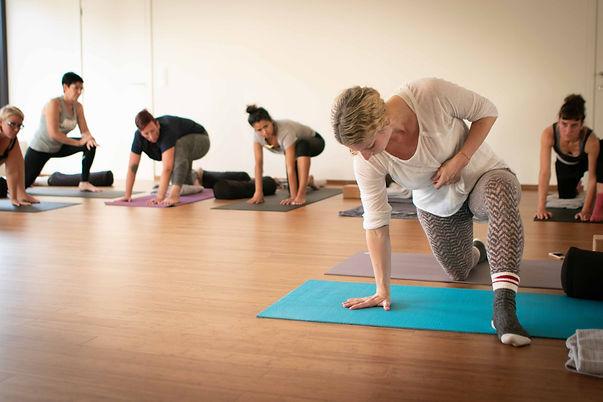 yoga + shiatsu oktober 2018-4 kopie.jpg