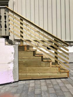 Ny trapp til veranda