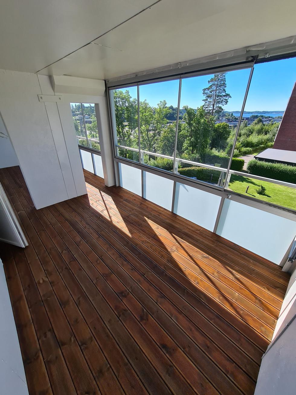 Royalimpregnert terrassebord på innglasset veranda
