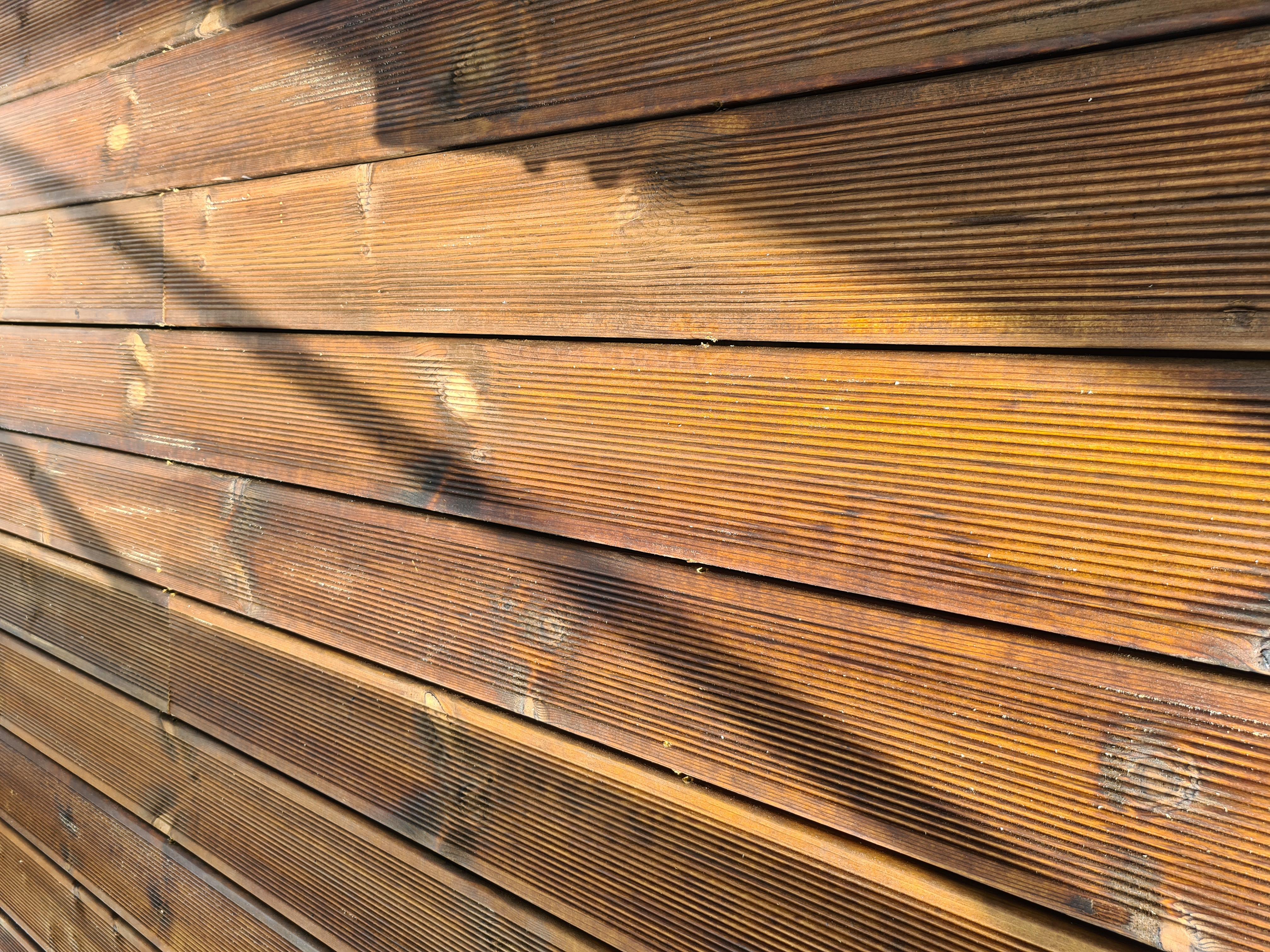 Nye Møreroyal terrassebord med riller