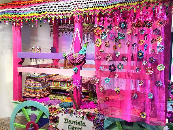 Gipsy caravan allestito e arredato a crochet