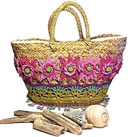 Borsa in paglia decorata a crochet