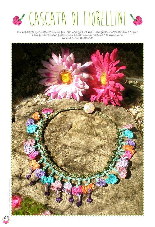 collier cascata di fiorellini