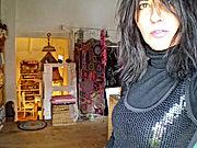 Specializzata in creazioni inedite, tecniche varie tra cui crochet e papier maché