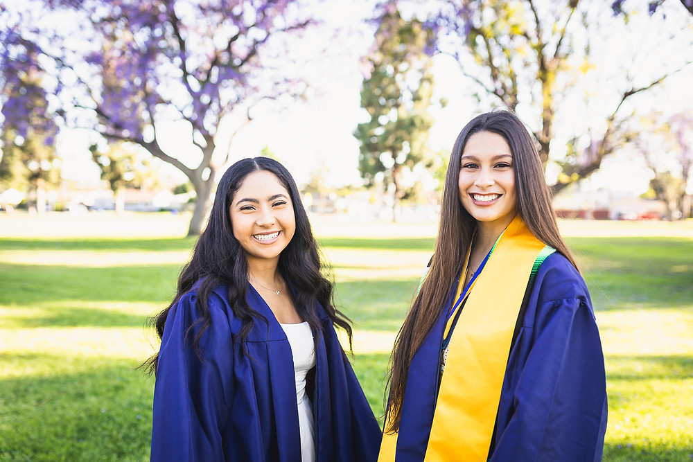 California High School Senior Photos | Zoie and Mariah 7