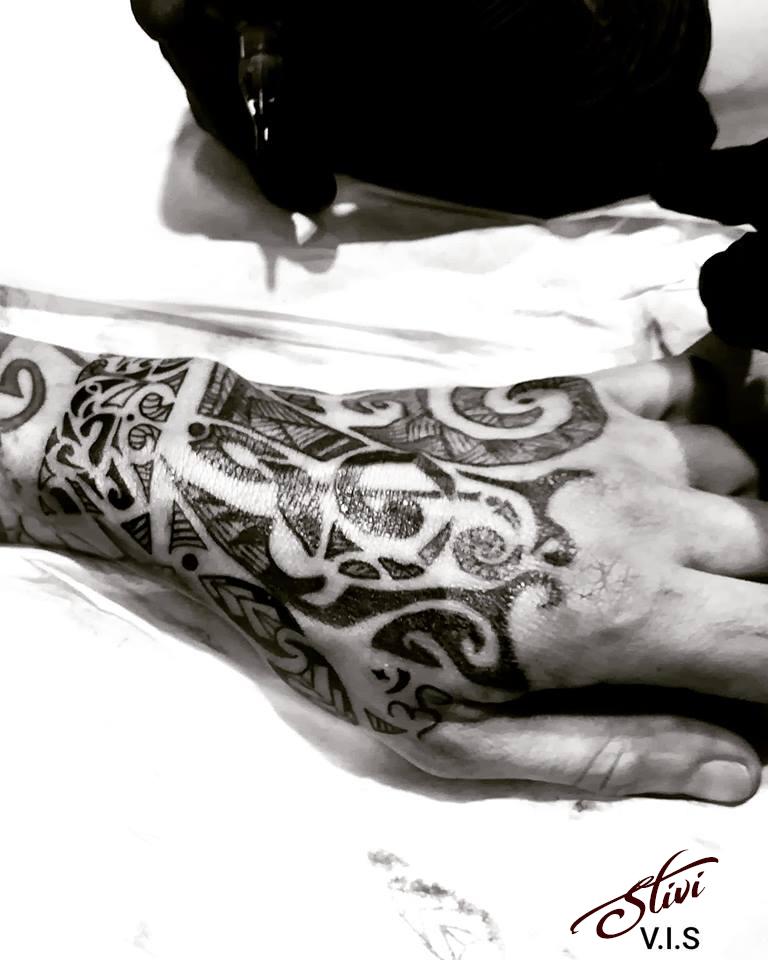 Hand Maori