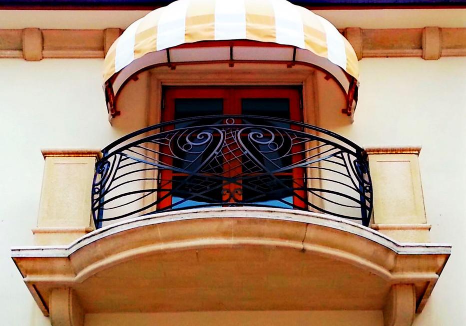 Balcony_1.jpeg