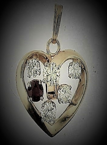 Heart Stone Pendant.jpg