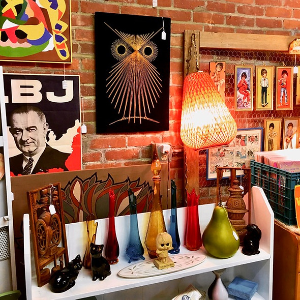 Kitschy booth 2