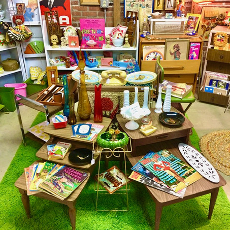 Kitschy booth 3