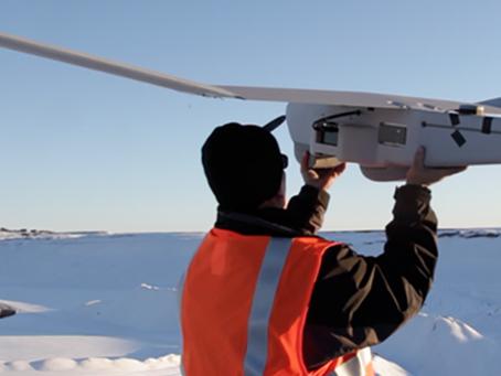 Un Drone mène une mission dans les glaces de l'Antarctique