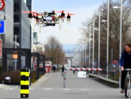 Les drones apprennent à se déplacer dans la ville comme des vélos et des voitures