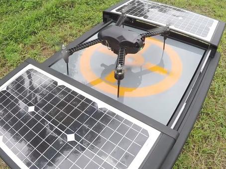Une plate-forme augmente la capacité d'autonomie des drones en fournissant une recharge et un stocka