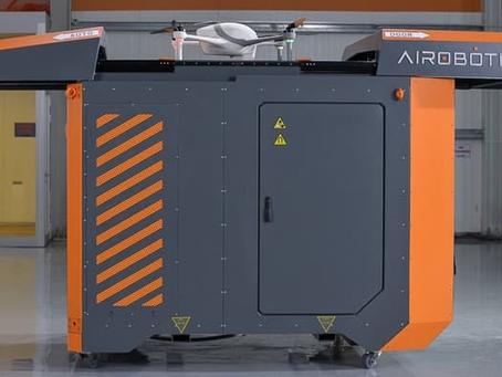 La Plateforme de Recharge Airobotics permet de garder un Drone en Vol une Journée entière.