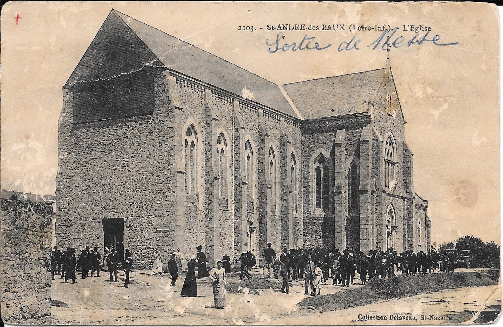 Saint_André_des_Eaux_L'Eglise_-_Sortie_de_messe
