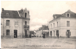 2101 SAINT ANDRE des EAUX - La Place et la Rue Principale