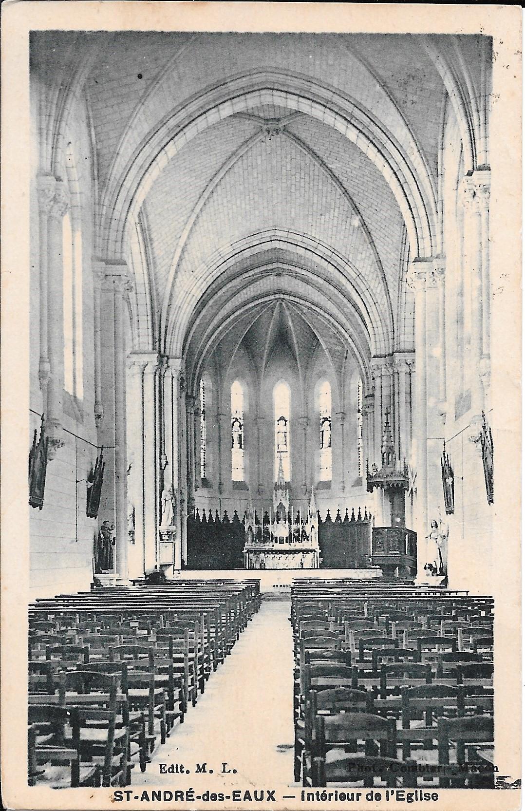Saint_André_des_Eaux_-_Intérieur_de_L'Eglise_