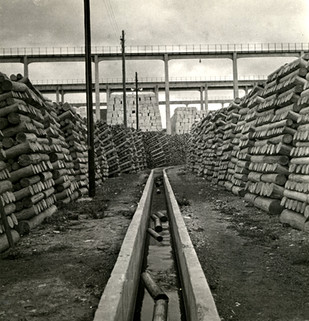 Canal de circulation du bois, 1932-1933.