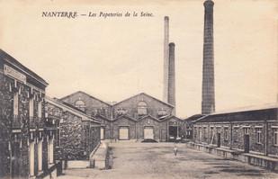 Cour intérieure de la papeterie de la Seine et ses trois cheminées aujourd'hui disparues.