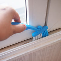 Sliding window groove cleaning brush scr