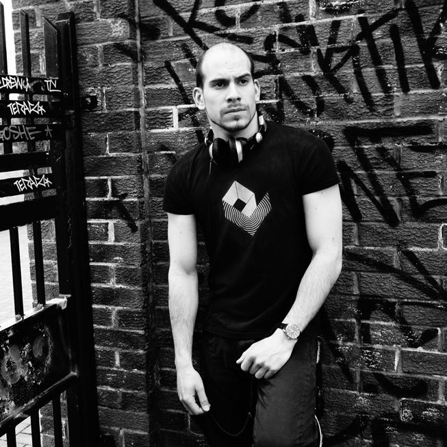 Peter-V-DJ-Photo-Shoot-Graffiti