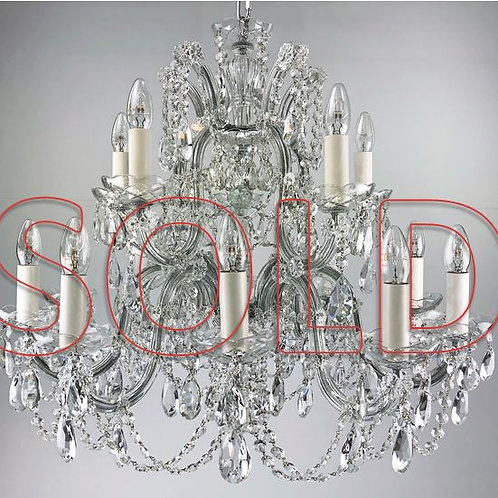 Marie Theresa style Chandelier, fifteen external lights.