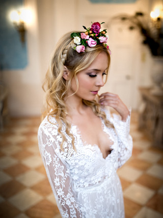 Bridal hair with fresh flowers