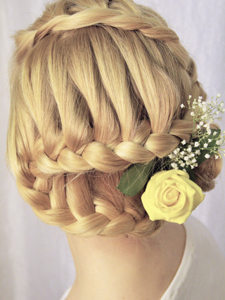 Bridal hair with plaited updo