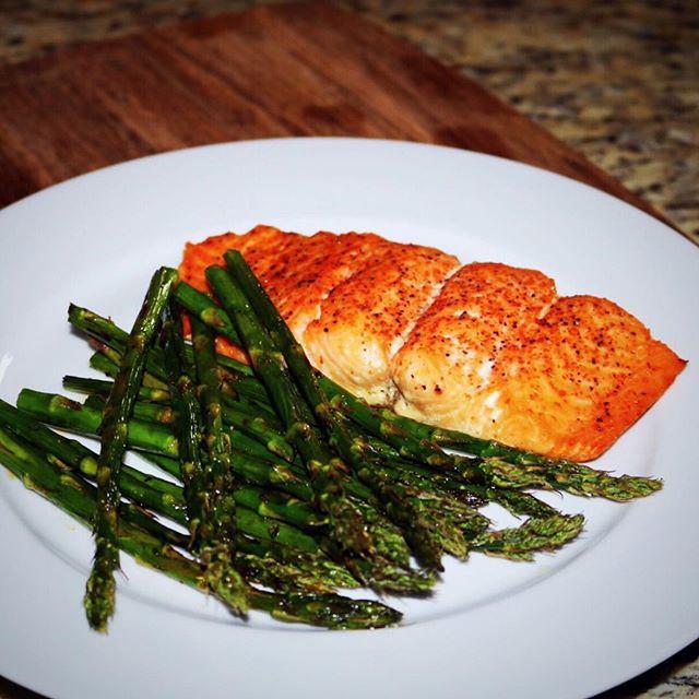 Oven Roasted Salmon & Asparagus