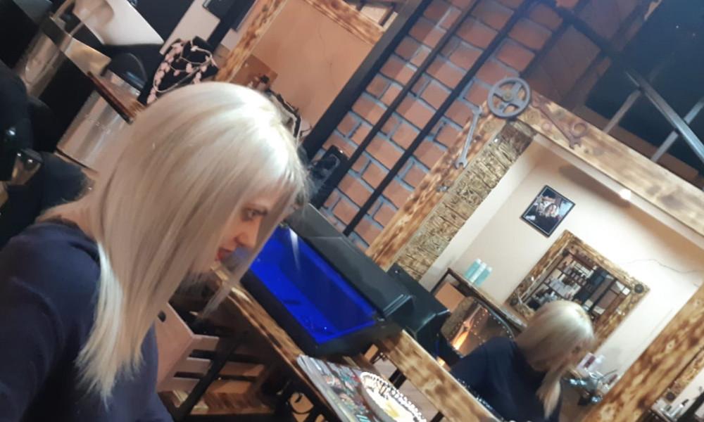 Biondo bianco hair color