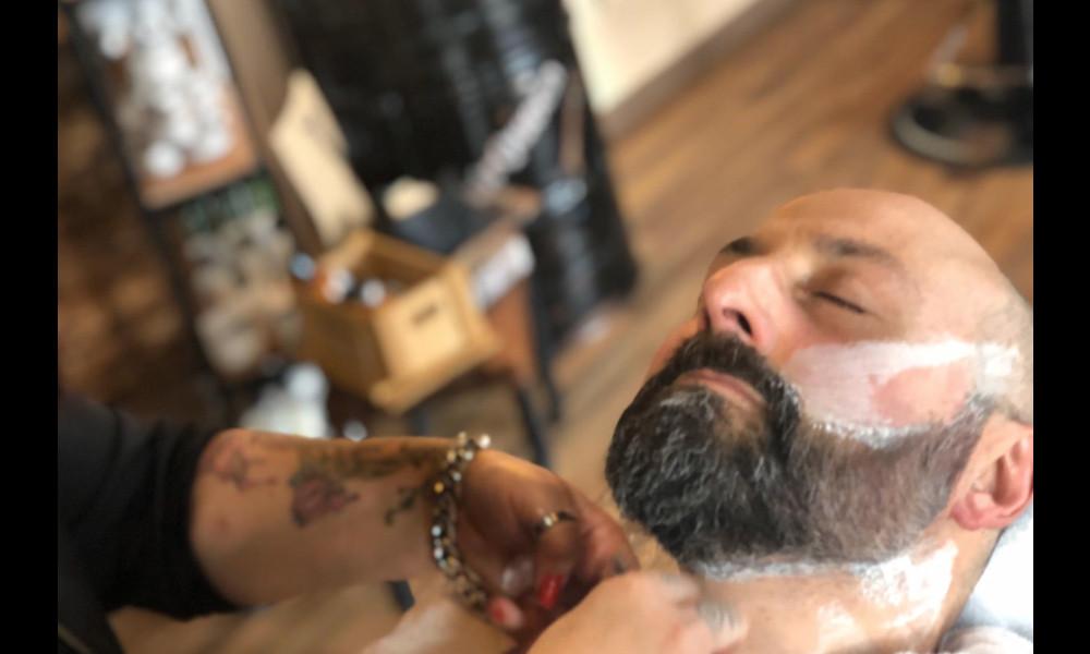 Come curare la barba a casa da soli
