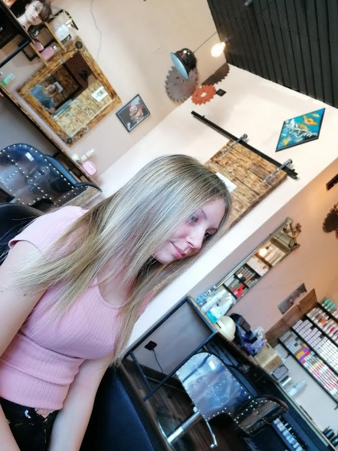 Shampoo antigiallo per capelli biondi