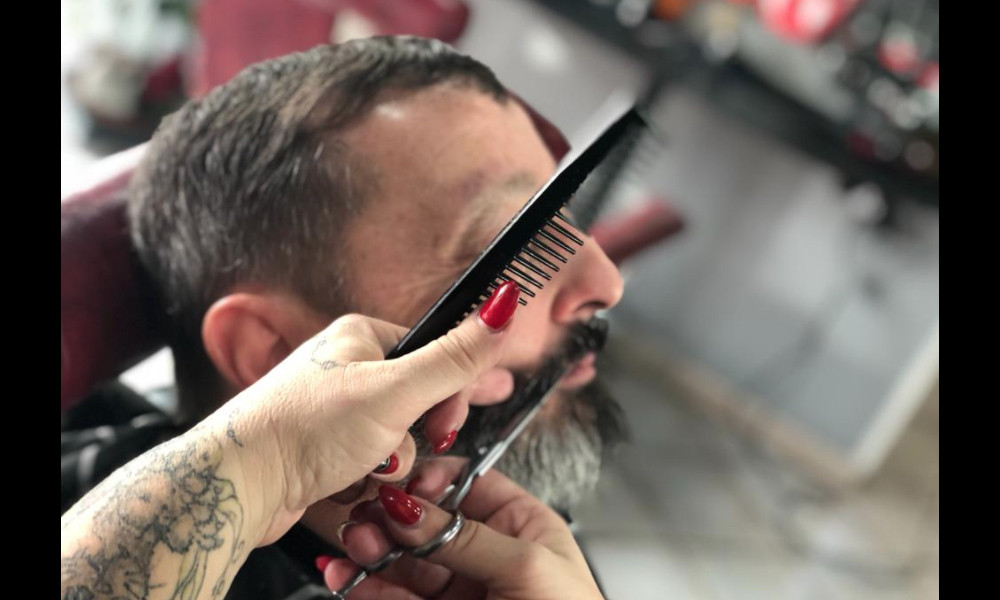Rasatura tradizionale della barba