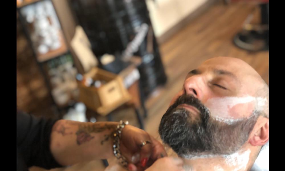 Far crescere la barba in quarantena