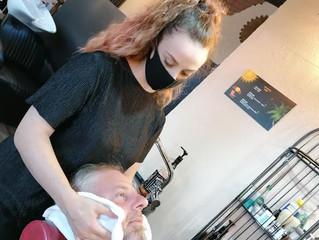 Massaggio alla barba con il panno caldo: la chicca di Hair Queen!