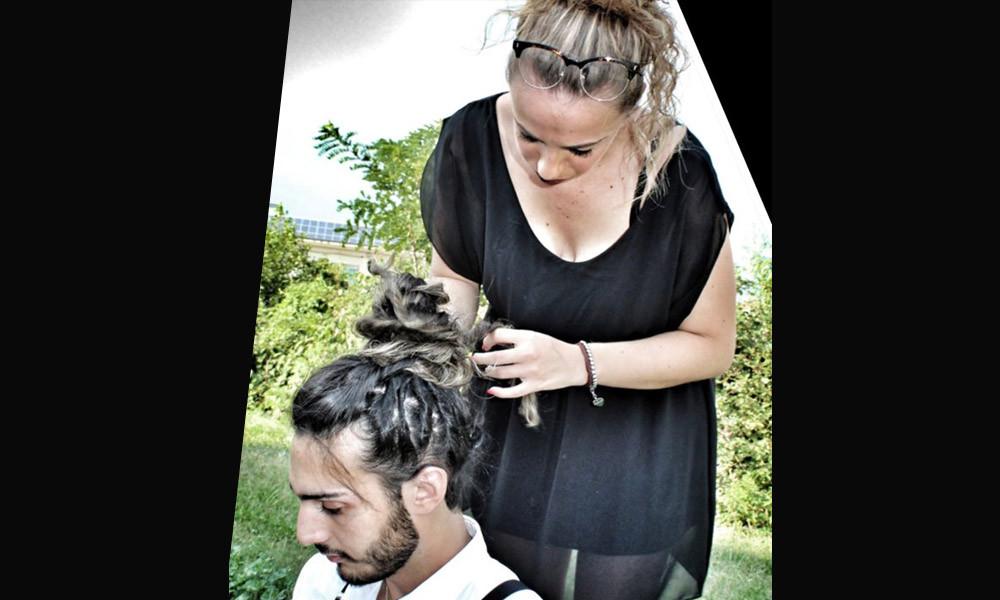 Uomo capelli lunghi