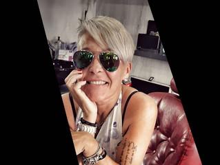 Silver gray: il colore di capelli che sfida l'età e più cool del momento!