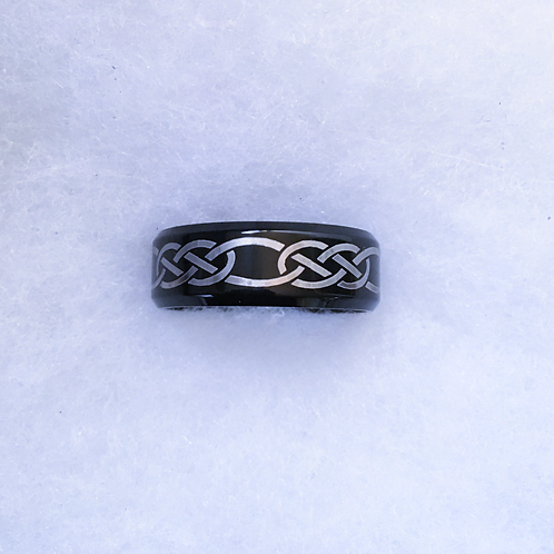 Chainlink band ring